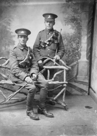 Two privates from the Welsh Regiment
