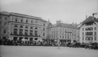 Barenplatz, Bern yn dangos Hotel Baren a Cafe Federal.